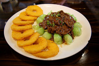 牛肉苹果派菜肴