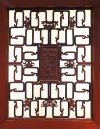 古代红木窗户