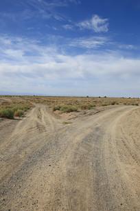 戈壁砂石公路