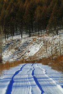 林海雪原冰雪山路