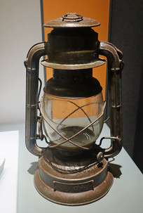 早期华洋贸易进口物品洋灯