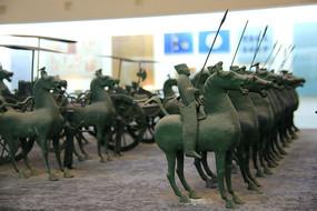 青铜战马车队汉代