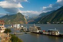 长江三峡巫峡口秀丽景色
