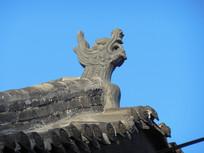 屋顶龙雕塑