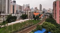 穿越城市的铁路