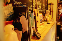 咖啡厅书架