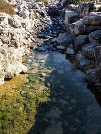 冬季的小河流景观