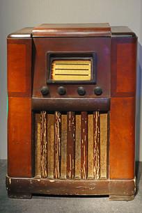 民国时期老式收音机