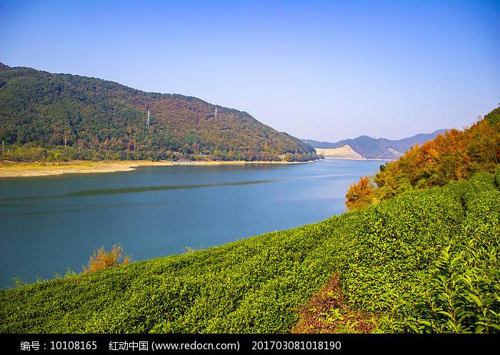 深秋湖泊摄影图图片