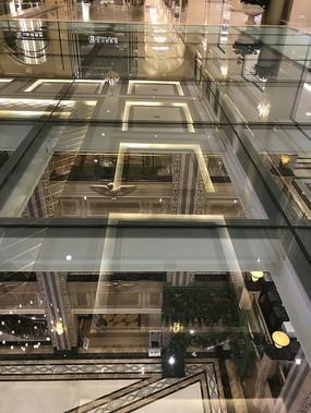 透明楼板竖构图
