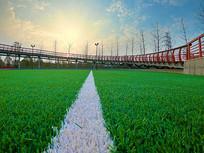 新建的蓝球场