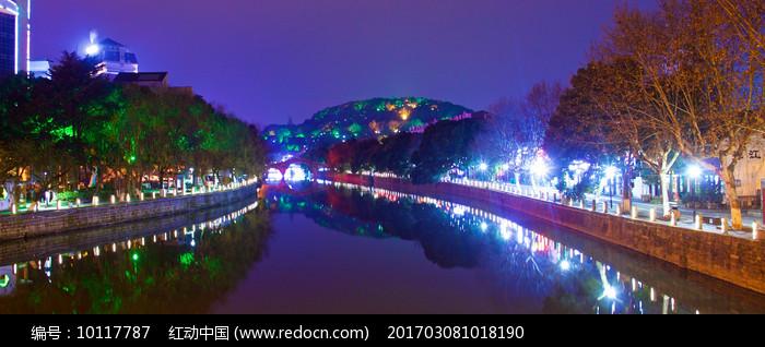 河畔夜景图片