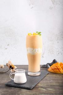 芒果牛奶摄影图