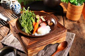 青菜火锅料香菇拼盘摄影图
