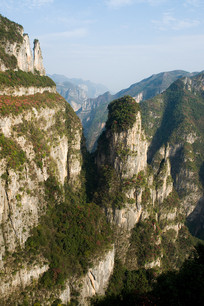 气势非凡的巫山黄岩净坛峰