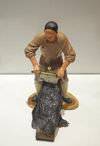 阿胶传统炼胶《刮皮》工艺雕塑