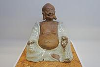 白釉弥勒佛坐像