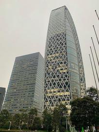 日本新宿玻璃幕墙高楼摄影