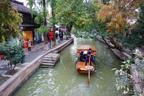 上海朱家角小船流水