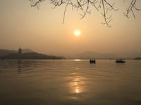 夕阳下的杭州西湖