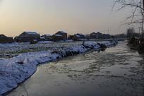 冬雪安静乡村