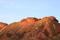 金色丹霞山峰