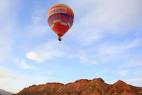蓝天热气球升空