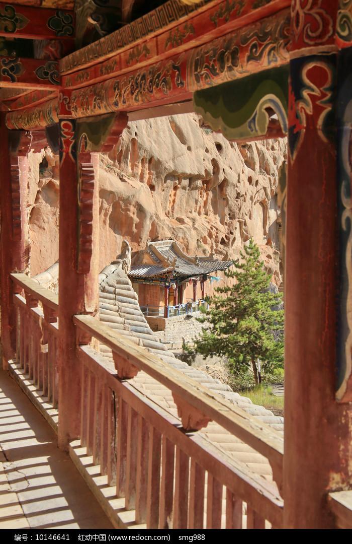 马蹄寺彩绘阁楼走廊图片