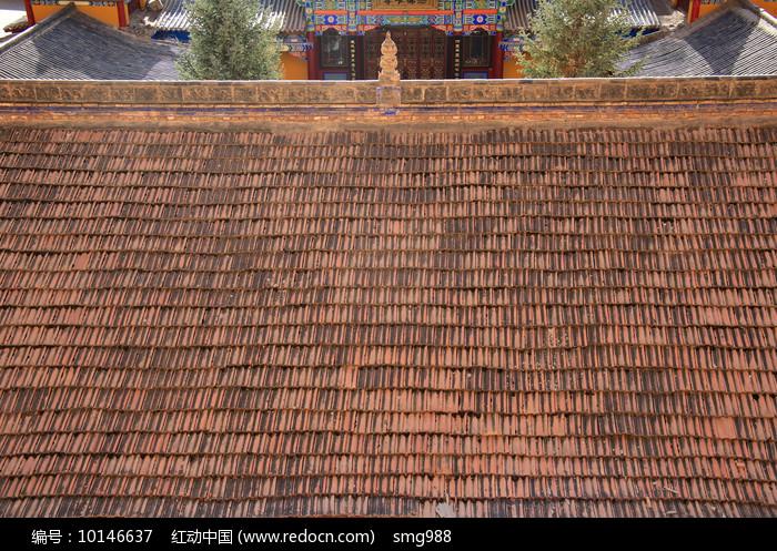 千佛洞红瓦屋顶图片