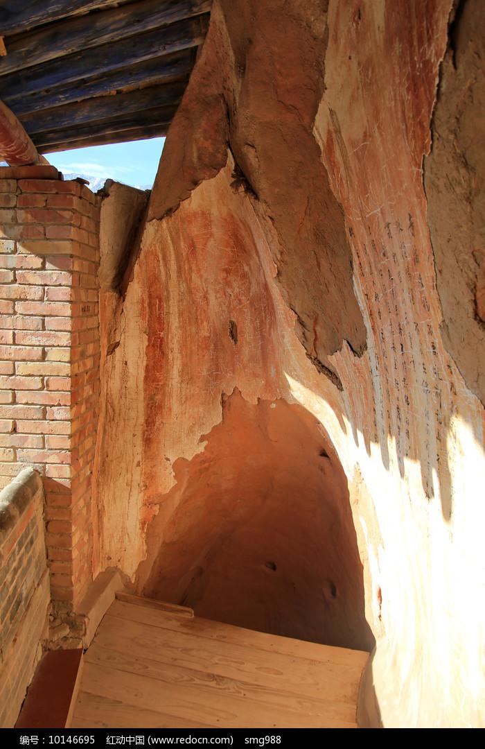 千佛洞寺庙过道图片