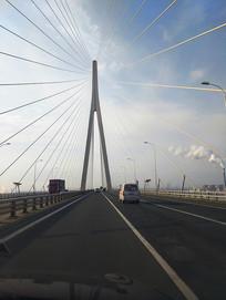 苏通高架桥行车