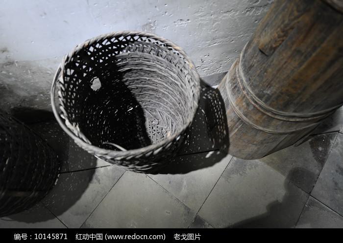 竹篓俯拍图片