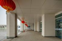 广发银行门前长廊