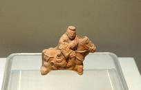 元代陶骑马俑