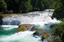 美丽的贵州荔波小七孔瀑布