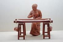 清末明初织布雕塑