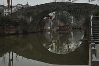 石拱桥近景