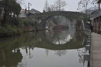 石拱桥全景