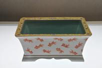 清代红彩金鱼纹长方形花盆