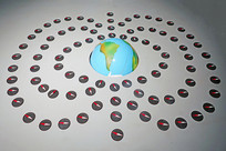 地球磁场示意模型