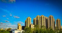 蓝天白云城市风光