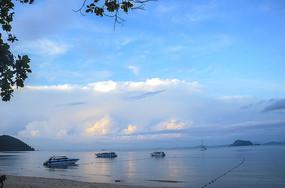 夕阳下的普吉岛