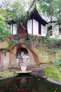 西泠印社传统建筑、鱼塘
