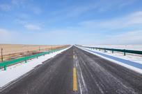 冬季草原公路