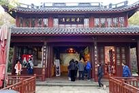 """杭州西湖""""平湖秋月""""传统建筑"""