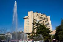 北京师范大学京师大厦和喷泉