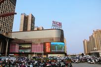 茂名城市综合体东汇城购物中心外景