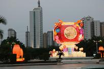 茂名市文化广场图书馆大灯笼景观