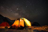 四姑娘山大峰营地的银河星空