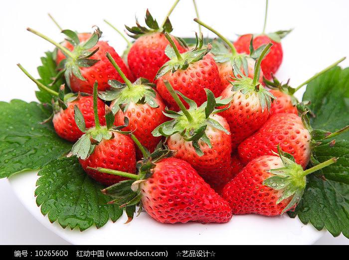 草莓特写图片